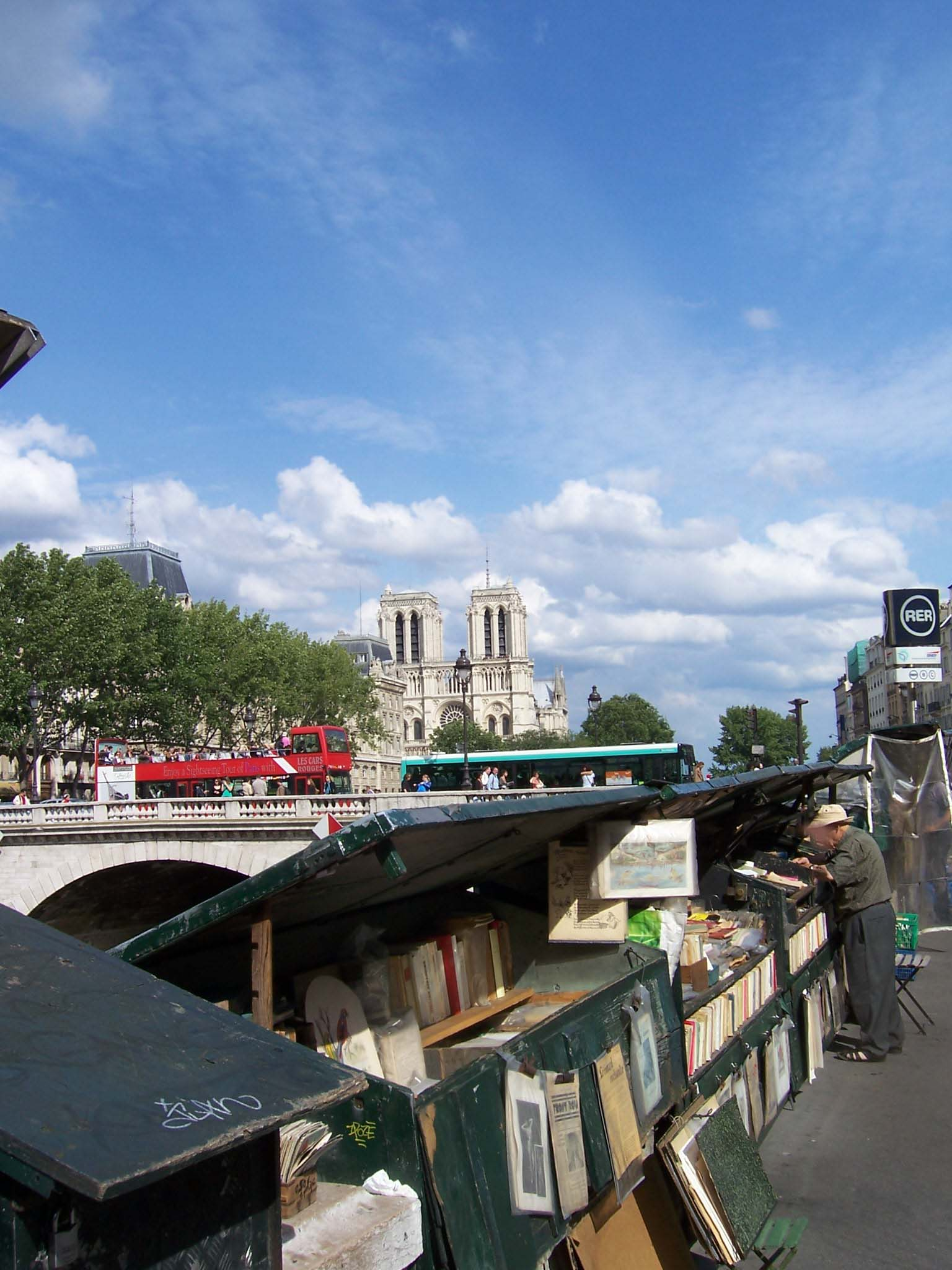 Photo des quais de Seine et bouquinistes à Paris