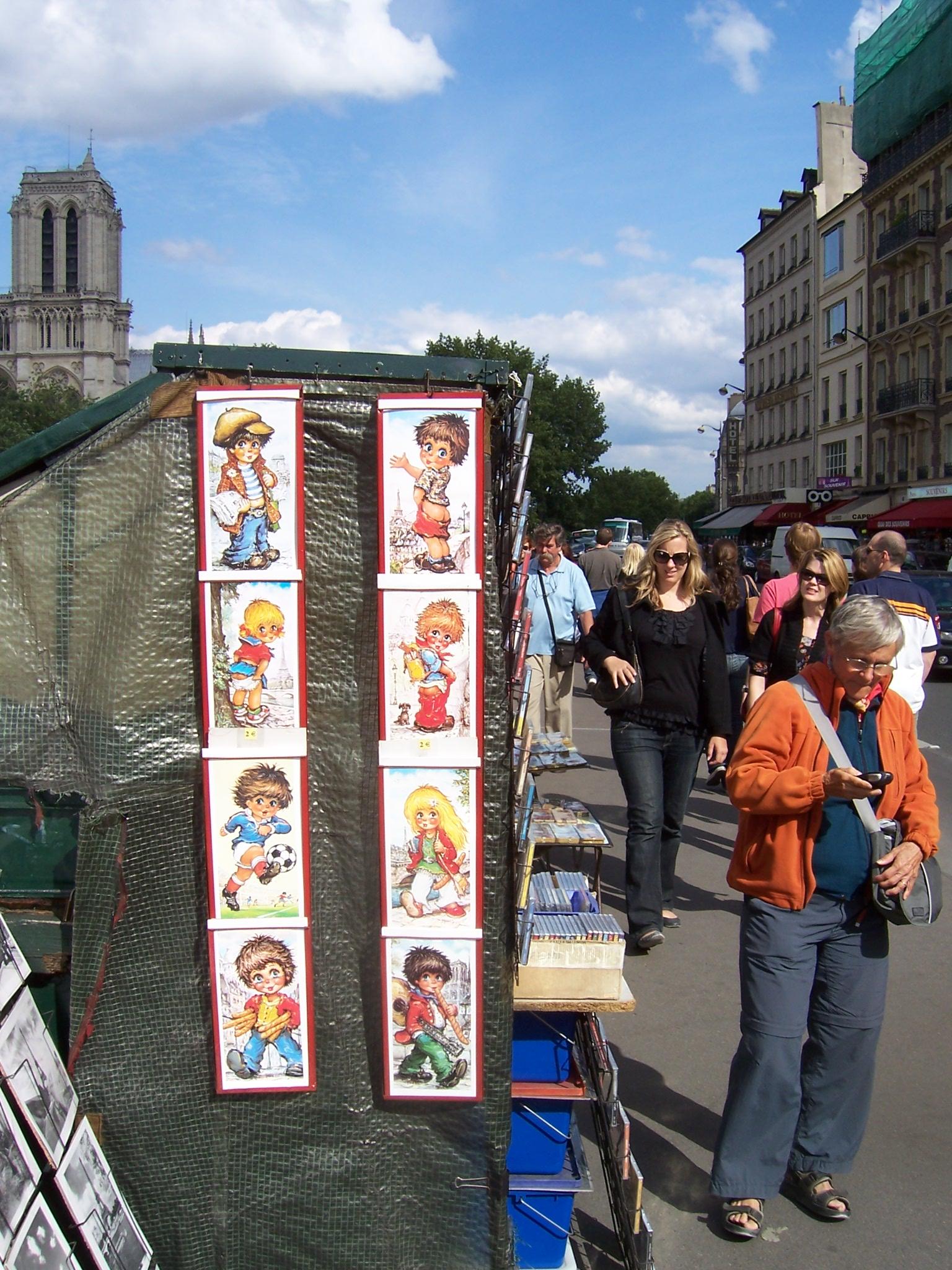 Dessins chez les bouquinistes des quais de Seine à Paris
