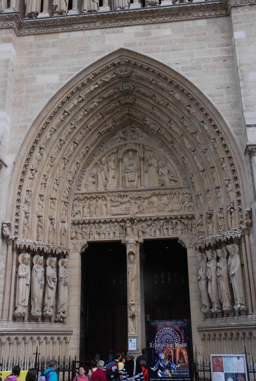 Photo du portail Sainte Anne - Façade de la cathédrale Notre-Dame de Paris
